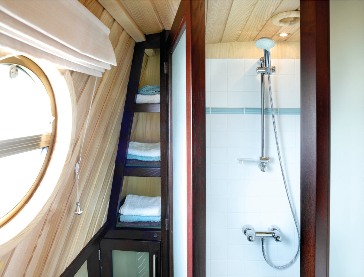 Aqualine Interior Shower
